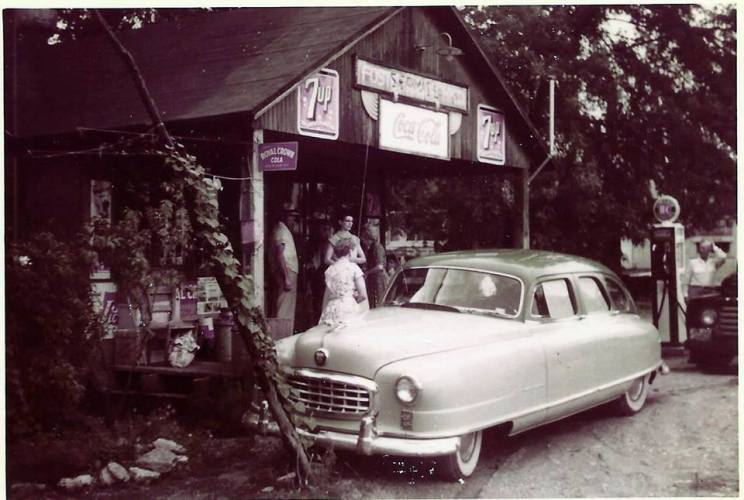 Hedge City, Missouri, Grace and Noble Foster, ca. 1955. (image courtesy of Mary Foster Hensley)